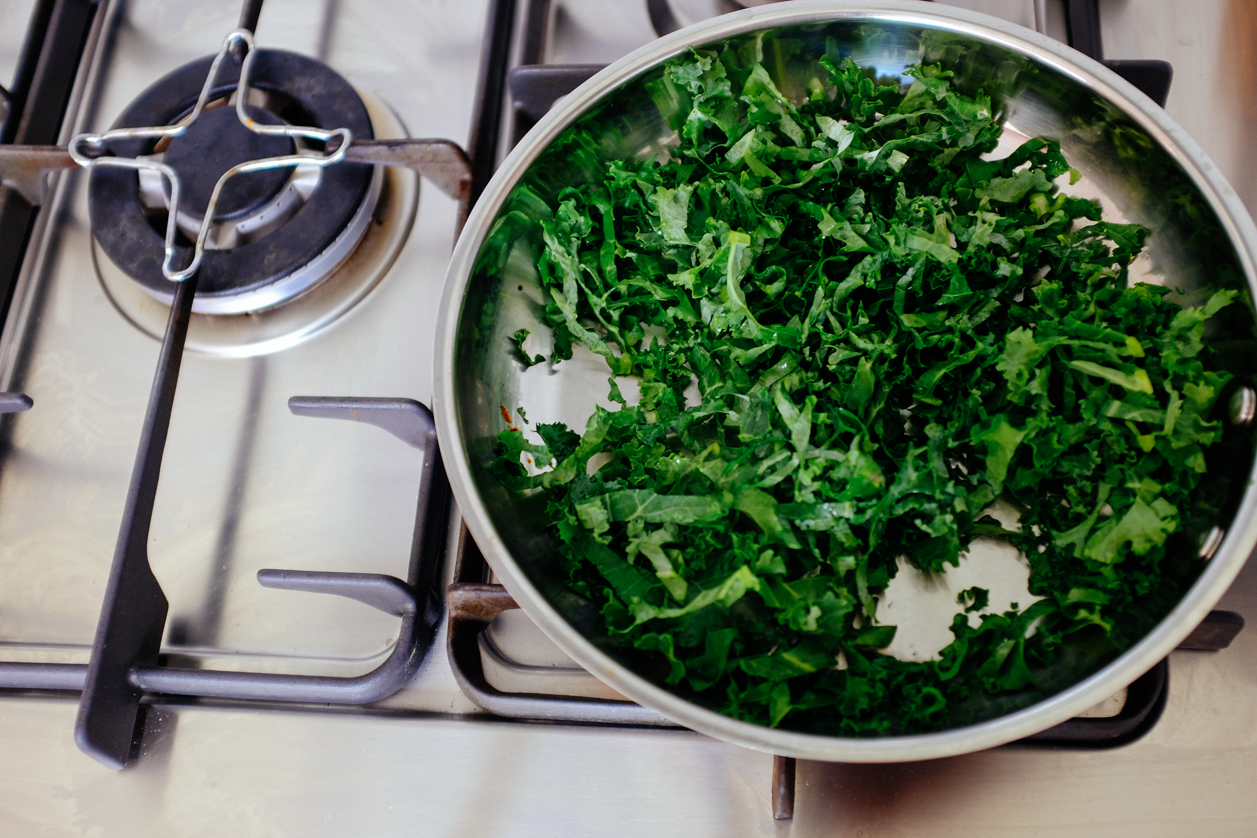 3-green-eggs-and-jam-kale-r