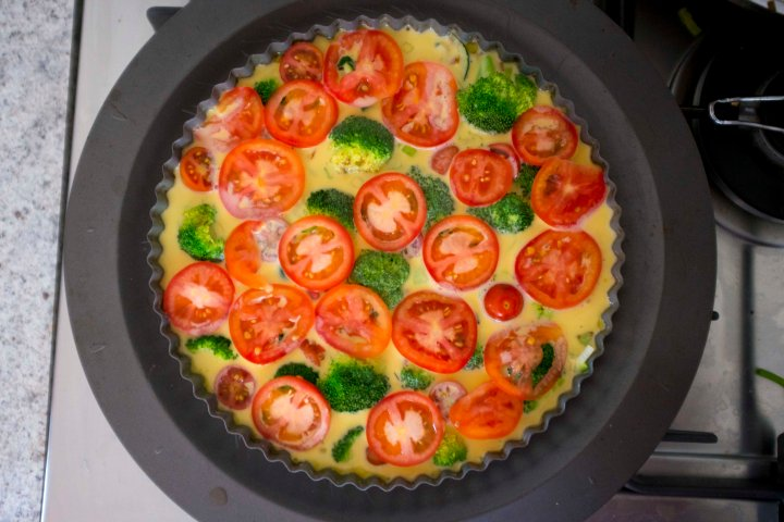 Quiche before cooked r